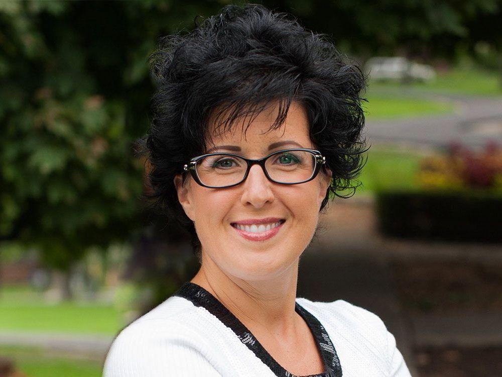 Sandra,Zanet Axiom Mortgage Solutions Windsor Essex